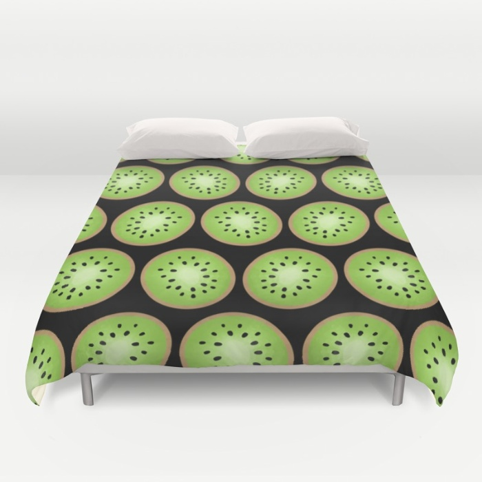 kiwi-pattern-black-background-duvet-covers